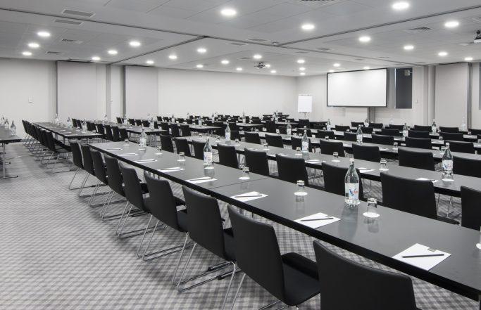 Tivoli Oriente <br> Salas de conferência